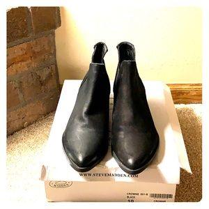 Ladies size 10 black booties